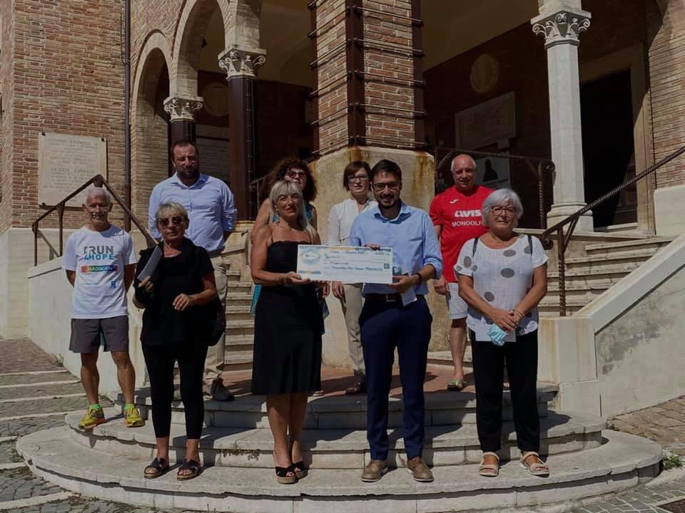 """Featured image for """"Consegnato a Mondolfo un contributo di 5.000 euro per le famiglie in difficoltà."""""""